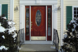 Внешняя отделка металлических дверей