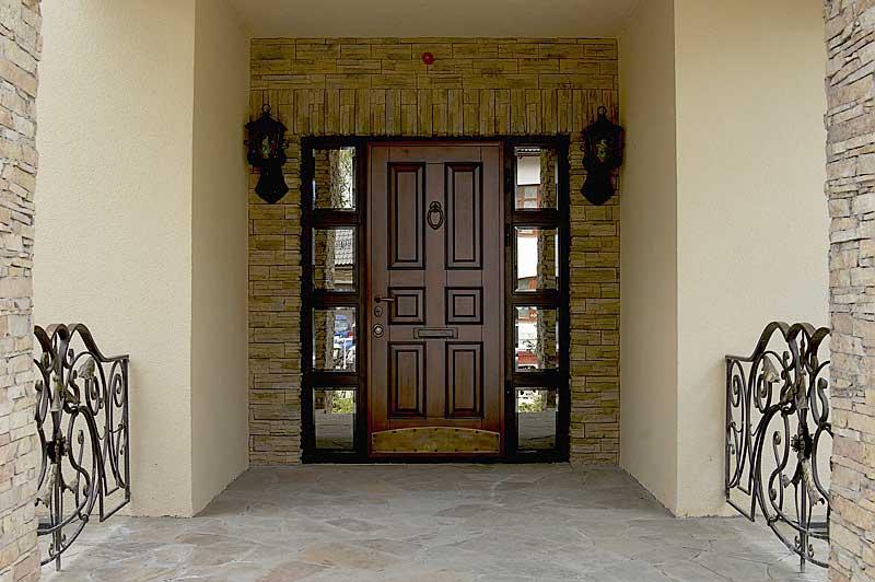 Наружные металлические двери