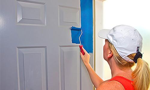 Реставрация двери окрашиванием