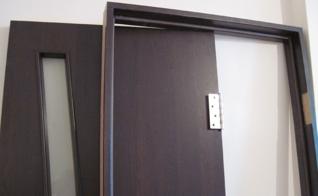 Дверная коробка и полотно