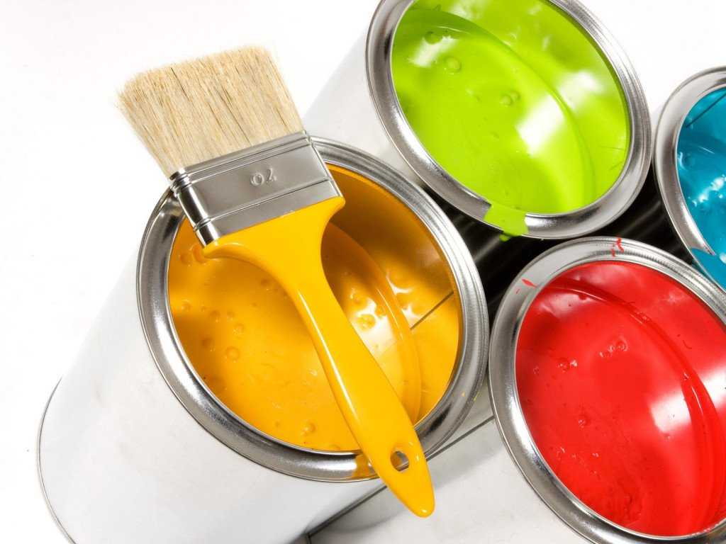 Выбор краски для покраски дверей