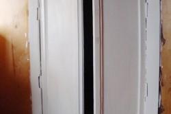 Покраска двери белой краской