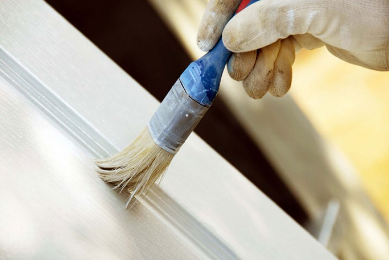 Покраска деревянной двери