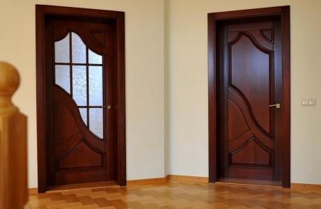 Когда устанавливаются межкомнатные двери при ремонте
