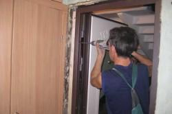 Металлический короб для двери